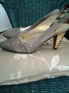 grey_shoes_a